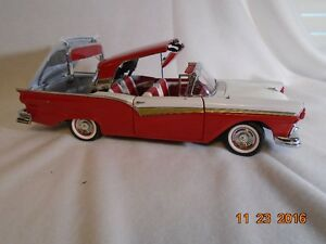 New price. 1957 Ford Retractable Hard Top Diecast. London Ontario image 1