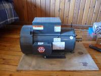Moteur éléctrique 220 volt 7.5 HP