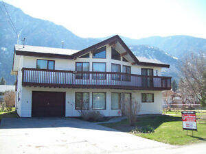 KEREMEOS HOUSE RENTAL FOR MID OCTOBER OR NOV 1ST
