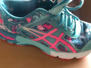 souliers Asics volleyball