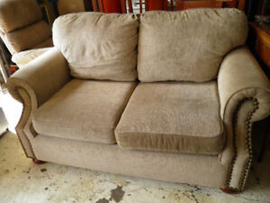 apartment size loveseat in exc cond