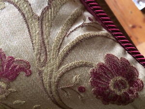 """Custom Made Gorgeous Downfilled 18"""" x 18"""" Floral Pillows Cambridge Kitchener Area image 7"""