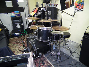 DRUMS LUDWIG COMBO DOUBLE TOM DOUBLE BASS PEDAL SIX CYMBALS