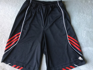 ADIDAS ATHLETIC SHORTS youth L (13-14)