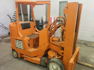 Towmotor Outdoor Forklift