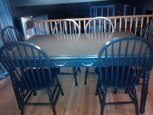 Martha Stewart dining table and 6 chairs