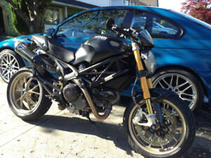 2010 Ducati Monster 1100 S ABS - Excellent Condition