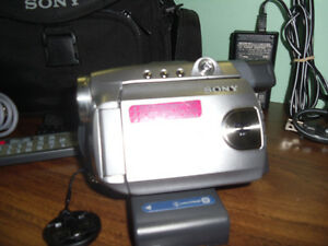REDUCED PRICE Capture your fun!!! With this SONY DVD Handycam West Island Greater Montréal image 8