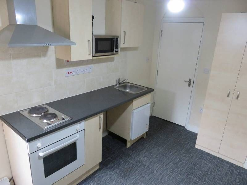 REGIONAL HOMES ARE PLEASED TO OFFER:NEWLY BUILT BEDSIT, CRADLEY HEATH,BILLS INC, DEPOSIT NEGOTIABLE!