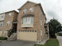 2-car garage town house at Britannia/Creditview
