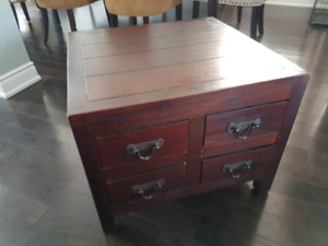 End Table and Matching Coffee Table