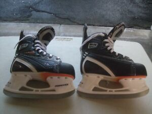 """POWERTEK""  -  SIZE JR. 1  -  HOCKEY SKATES"