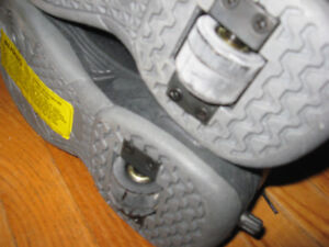 KIDS TEENS MEN HEELYS Cambridge Kitchener Area image 4