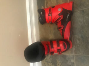 Kids size 22 - 22.5 rossignol boot