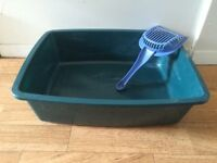 Cat litter box and scoop