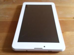 Tablet BRAVIS, functional but screen broken!