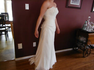 BEAUTIFUL WEDDING DRESS FOR SALE Campbell River Comox Valley Area image 2