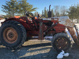 Belarus super 520 tractor 4x4  with loader for sale