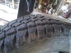 ***** BE READY FOR NEXT WINTER ***** 225/65R17 STUDDED!