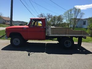 1965 GMC 920 4X4 1 Ton Flat Bed - Ex Fire Truck