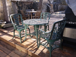 Patio bistro set. Table with 3 chairs.