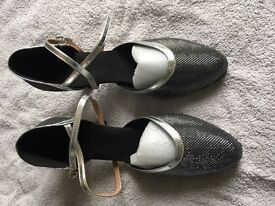 BRAND NEW size 6 dance shoes