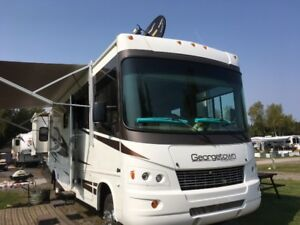 2011 FOREST RIVER GEORGETOWN 33'