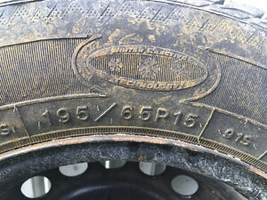4 Goodyear Utra Grip Ice winter tires with rims