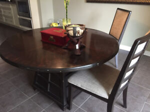 Round Dining Table and Chairs for Sale! Must go ASAP.