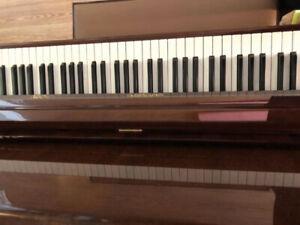 Piano. (Second-hand)