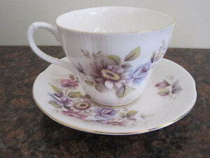 Royal Albert Tea Cup/ Saucer Sets (Page 2) Kitchener / Waterloo Kitchener Area image 4