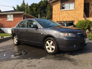2007 Mazda3 COMES WITH WINTERS