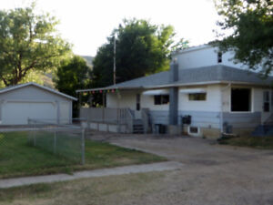 East Valley Guest House - vacation rental in East Coulee