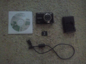 Fujifilm Digital Camera JV300, Wall Charger(NP-45, and NP-50) Edmonton Edmonton Area image 1