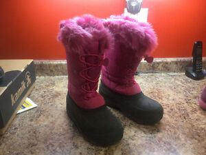 Girls winter boots for sale, brand new Stratford Kitchener Area image 2
