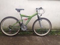 Apollo Guru mens mountain bike