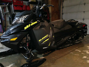 2014 Ski Doo Summit XM 800 154 - With Warranty REDUCED PRICE