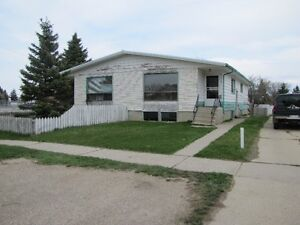 Full Duplex For Sale in Taber