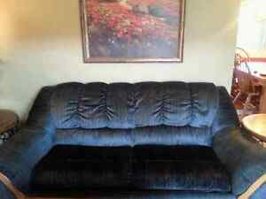 Good quality couch and loveseat!