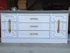 Various dressers of excellent quality!