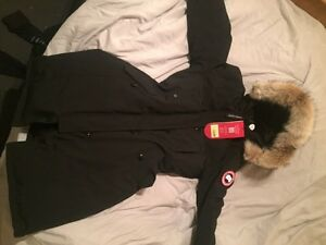 *NEW* CANADA GOOSE PARKA FOR WOMEN
