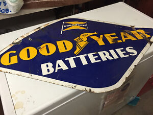 LOOKING TO BUY OLD ADVERTISING SIGNS