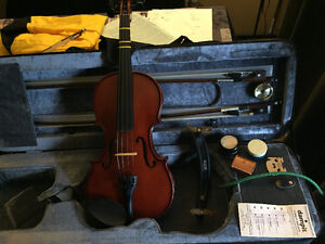 Violin package lots of extras, low use