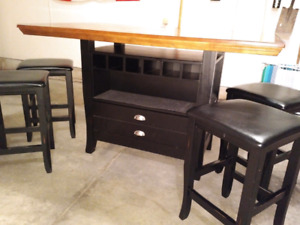 Pub Top dining table and stools