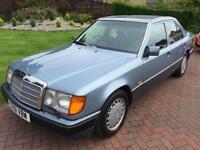 Mercedes 300 3.0 E Saloon 4d 2960cc auto