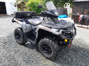 4 roues Outlander xt 1000  2015 Can-Am comme neuf