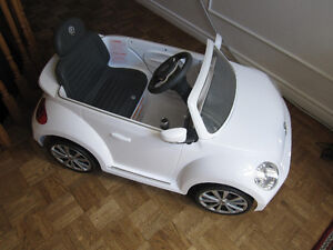 Aria Child 6V RIDE ON VW BEETLE - White