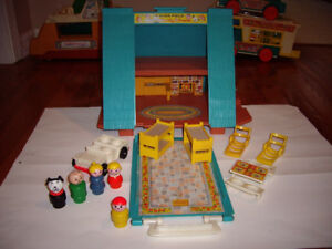 FISHER PRICE A-FRAME HOUSE 1974-1976