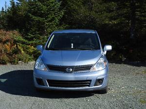 2011 Nissan Versa S Hatchback St. John's Newfoundland image 2