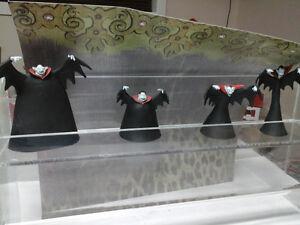 Nightmare  before xmas figures vampire brothers